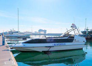 Аренда моторной яхты Карина в Сочи