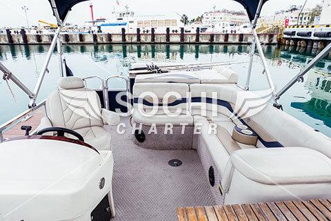 Tahoe Pontoon Boat 2900