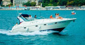 Яхта Cruisers Yachts 3375 Express в Сочи