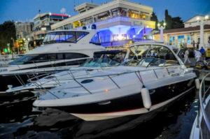 Яхта Regal 3560 в Сочи