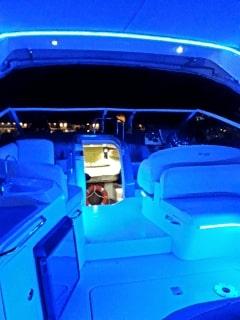 Cruiser 330 Express