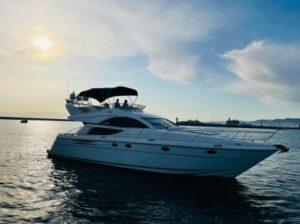 Яхта Fairline Phantom 50 в Сочи