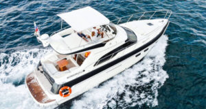 Яхта Sealine f43 в Сочи