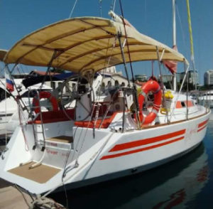 Яхта Leo 28 в Сочи